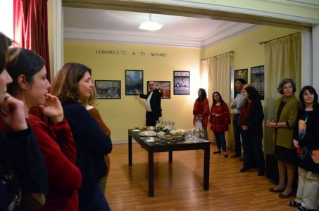 [:en]Presenting the photographs[:he]הצגת תמונות התערוכה