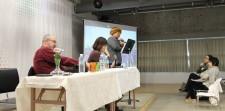 [:en]K.Chae presenting his work[:he]ק. צ'אה מציג את עבודתו